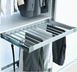 Полка выдвижная для брюк и юбок в шкаф